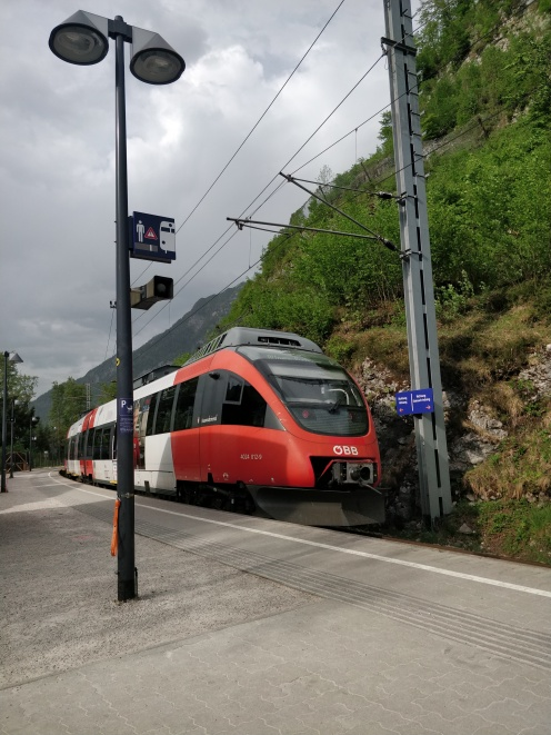Regional Express train at Hallstatt station